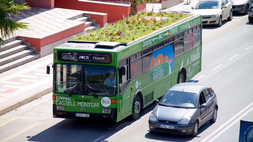 Barcelona y Palma de Mallorca ya tienen los primeros autobuses con azotea ajardinada