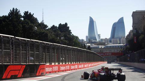 El caos reina en Bakú: Pole para Leclerc, Sainz (5º) y resurrección de Hamilton (2º)