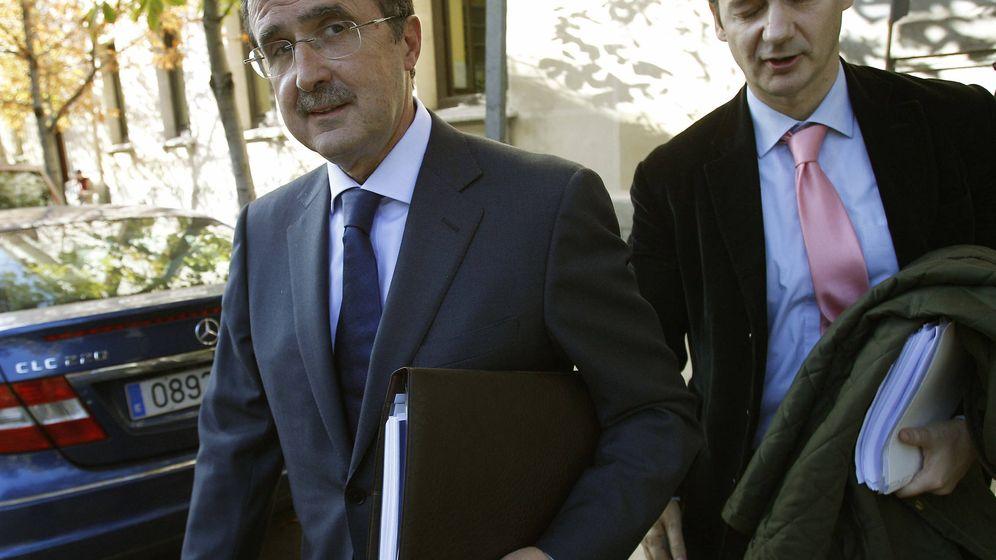 Foto: El empresario José Luis Ulibarri a su salida del Tribunal Superior de Justicia de Madrid en 2011. (EFE)