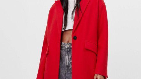 Bershka tiene el abrigo rojo con el que sueñas cada temporada otoño-invierno