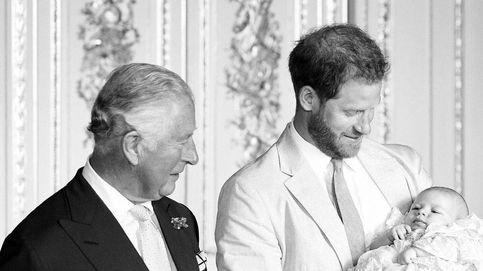 La decisión de Carlos de Inglaterra y  la de Harry que tensa la cuerda aún más