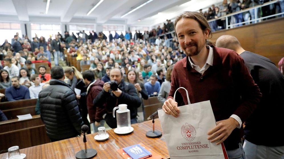 Foto: El líder de Podemos, Pablo Iglesias, antes de participar en una charla en la Universidad Complutense de Madrid. (EFE)