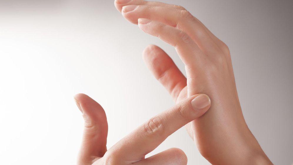 Foto: El 'tapping' es un recurso psicológico polémico, pero cada vez más popular. (iStock)