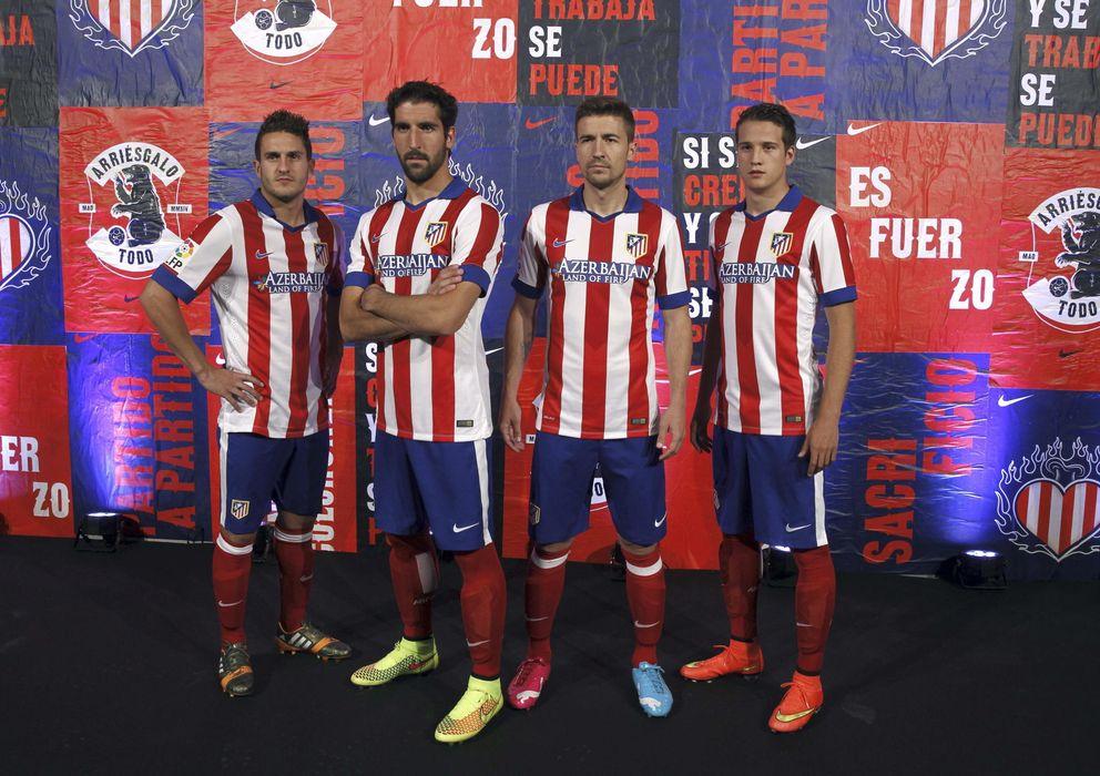 Foto: Koke, Raúl García, Gabi y Manquillo en la presentación de la nueva camiseta del Atlético (Efe).