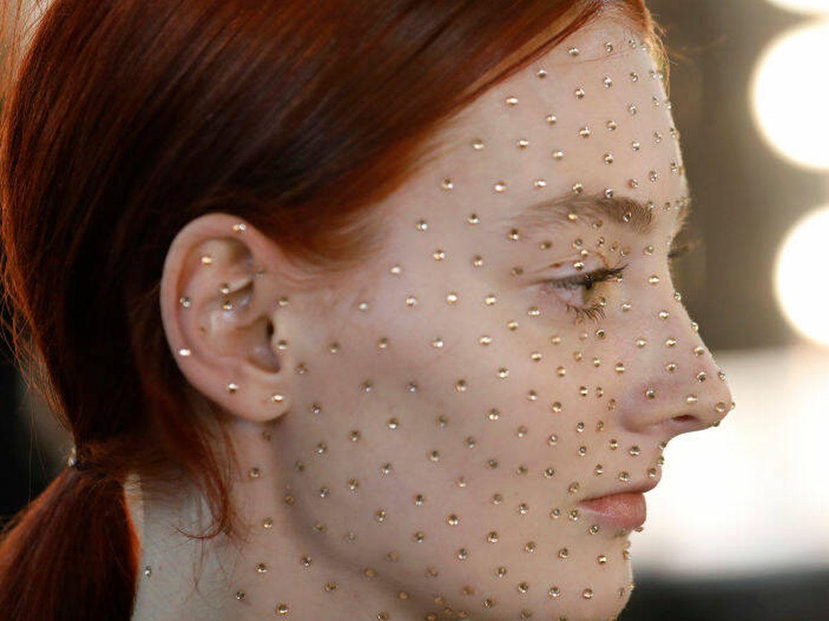 Foto: ¿Físico, químico? Cada piel necesita un tipo de exfoliante. (Getty)