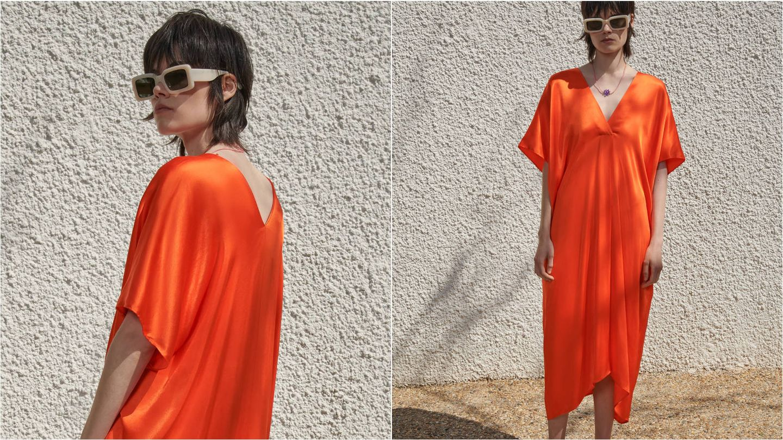 Vestido túnica naranja de Zara. (Cortesía)