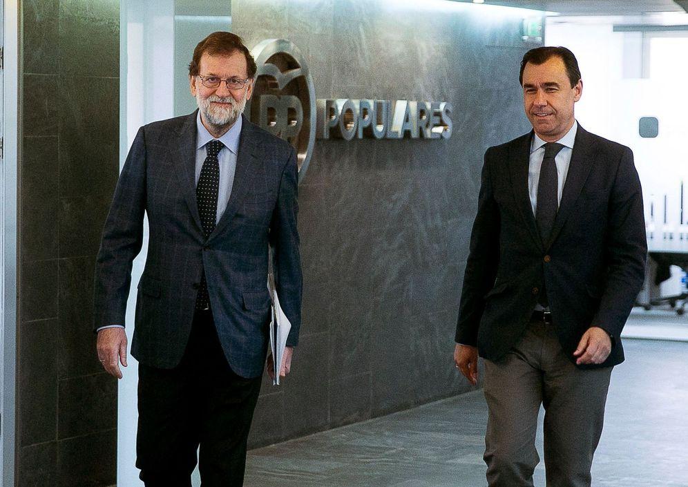 Foto: Mariano Rajoy y el coordinador general del PP, Fernando Martínez-Maillo, el pasado 13 de noviembre en Génova. (EFE)