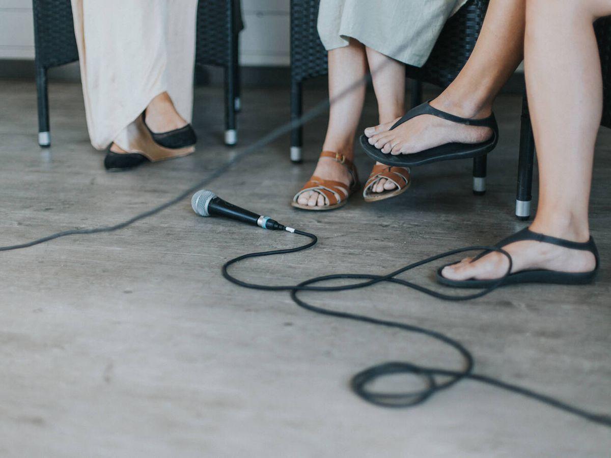 Foto: Hay un modelo de Skechers para cada ocasión (Daiga Ellaby para Unsplash)