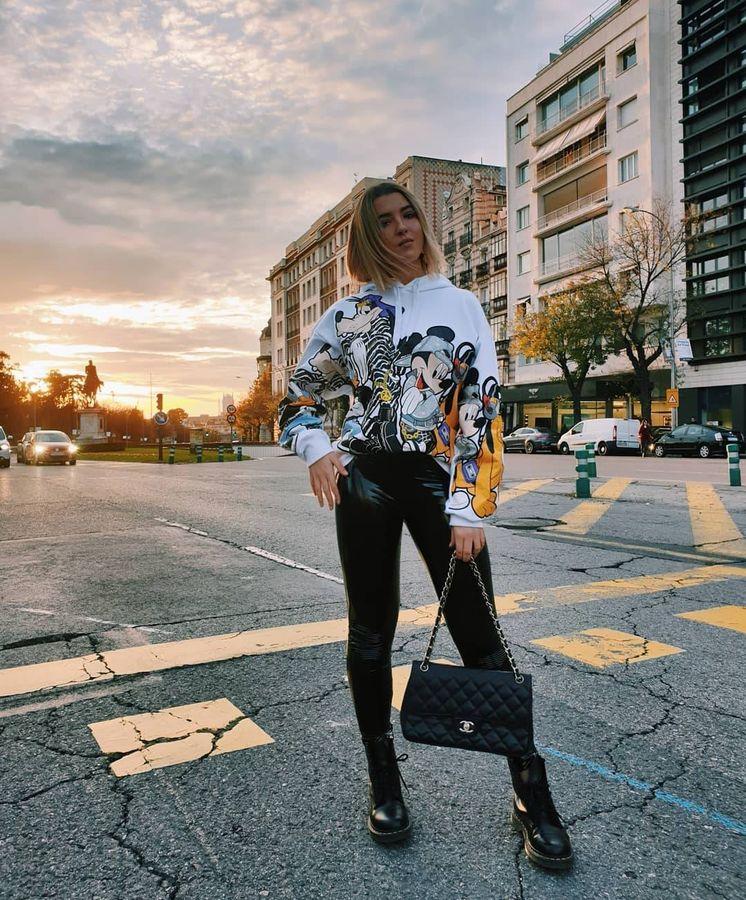 Foto: Alba Díaz y uno de los numerosos looks que sube a diario a Instagram. (IG)