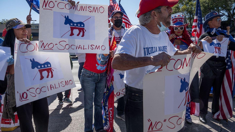 Partidarios cubanoamericanos de Donald Trump, durante un mitin electoral del presidente. (EFE)
