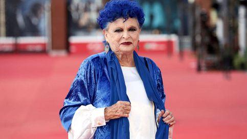 El escote que Lucía Bosé puso de moda en los años 50 y que hoy causa furor