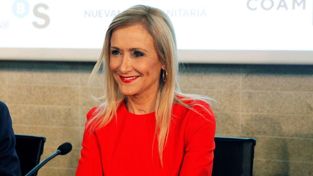 Foto: Cristina Cifuentes, en una imagen de archivo durante la clausura del Día de las Profesiones. (Foto: EFE)