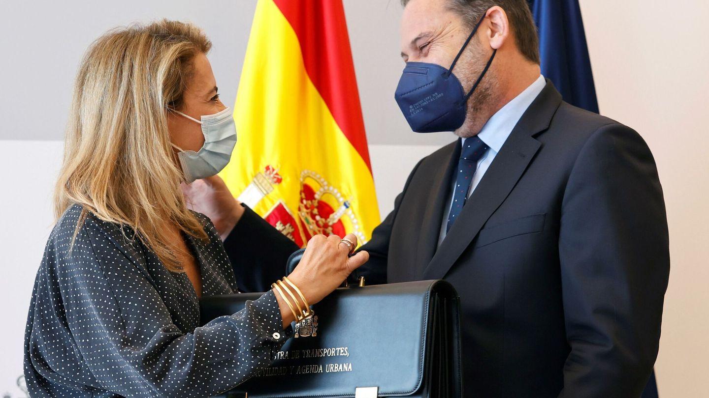 Raquel Sánchez y José Luis Ábalos en el acto de traspaso de carteras. (EFE)