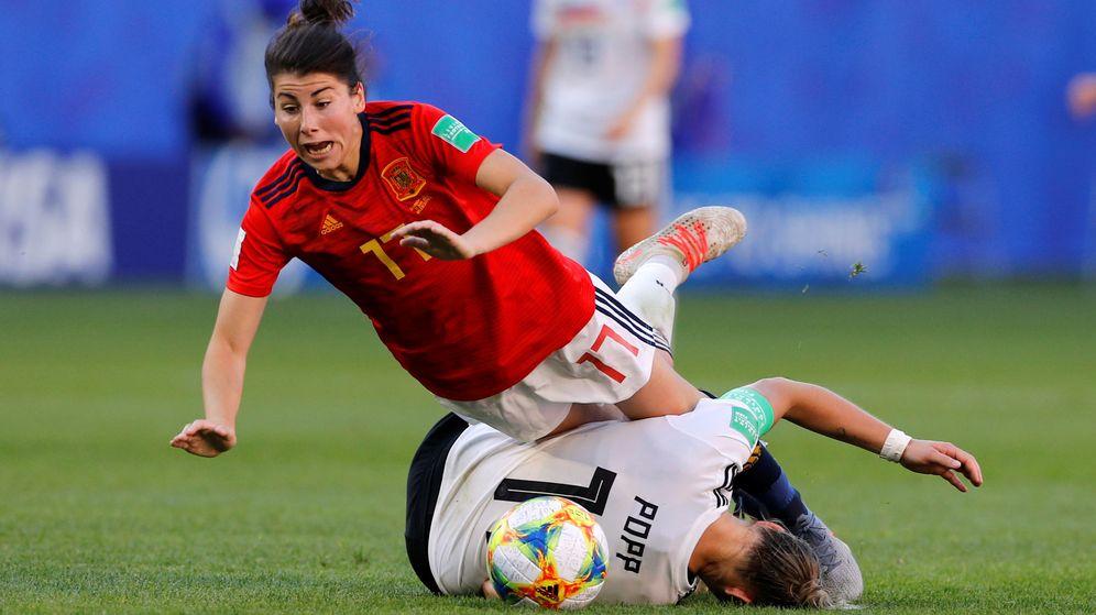 Foto: Lucía García, en un duelo contra la alemana Popp. (Reuters)