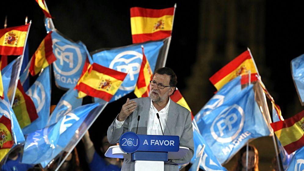 Foto: Rajoy, durante el acto de fin de campaña en Madrid. (EFE)