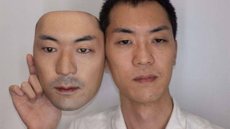 ¿Por cuánto venderías tu rostro como molde para caretas hiperrealistas?