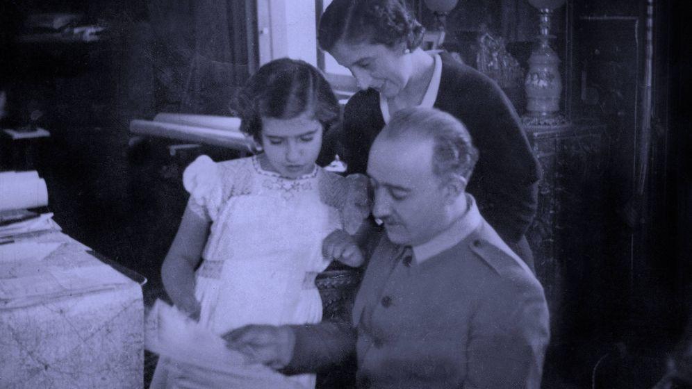 Foto: Carmen Franco, madre de Carmen Martínez-Bordiú, en un fotomontaje realizado en Vanitatis.