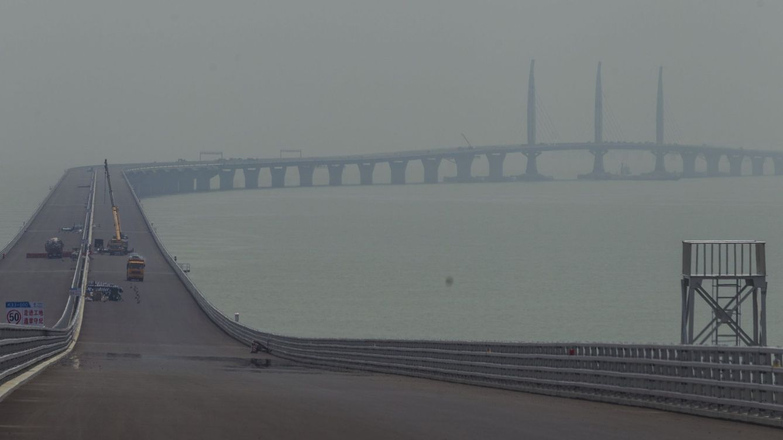 El puente interminable que discurre por encima y debajo del mar