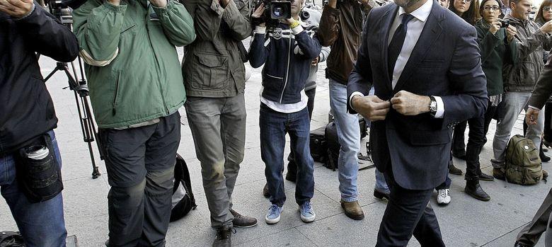 Foto: El embajador de EEUU en España, James Costos, al llegar este lunes a la entrevista convocada por el Gobierno (EFE)