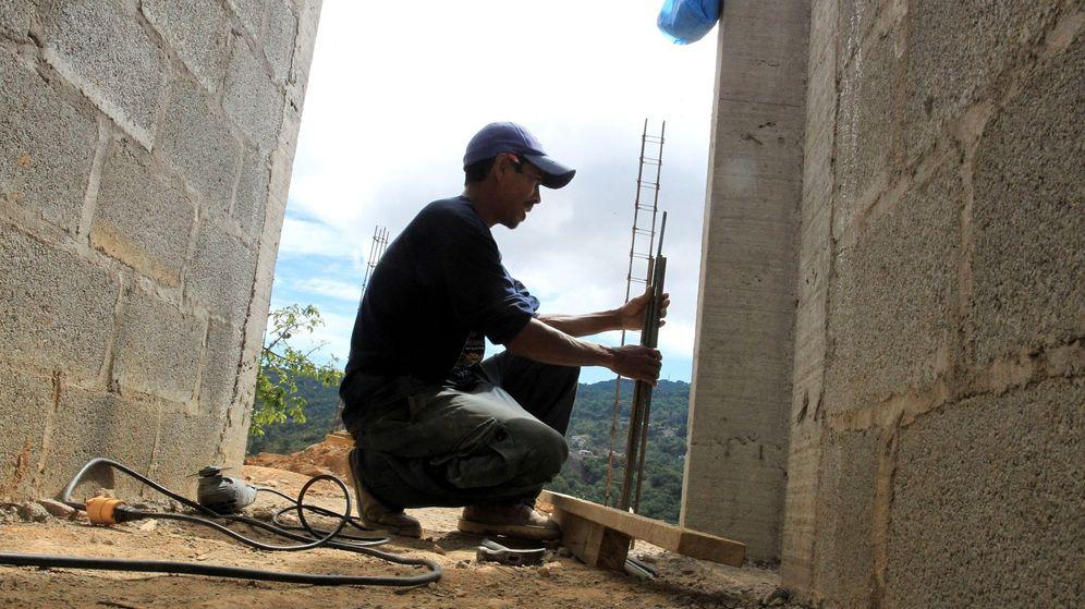 Foto: Trabajador del sector de la construcción. (EFE)