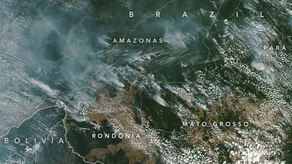 Foto: Las imágenes tomadas desde el espacio muestran el humo que sale de la Amazonía. (Foto: NASA)