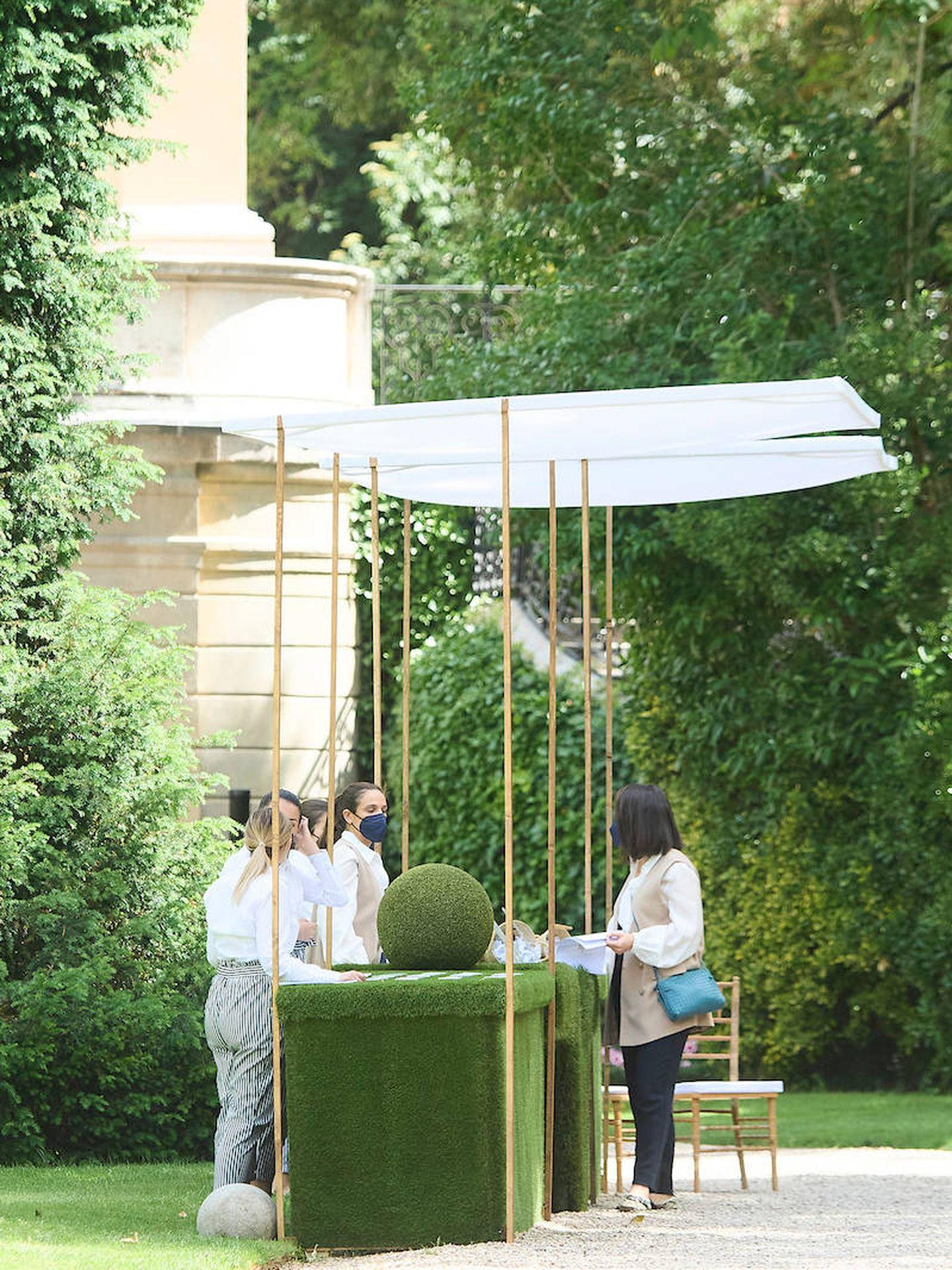 Set de recibimiento para los invitados a la entrada de los jardines. (Limited Pictures)