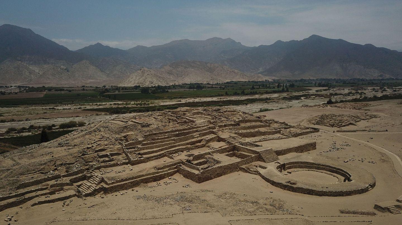 Visión general de la Zona Arqueológica Caral, en Perú. (EFE)