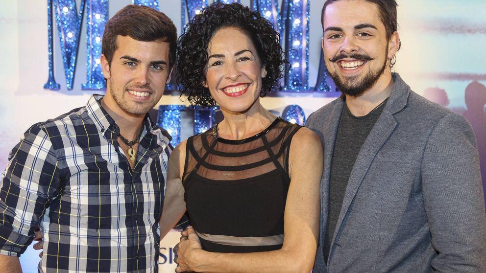 Rostros televisivos arropan a Nina en su llegada a Madrid con ¡Mamma Mía!