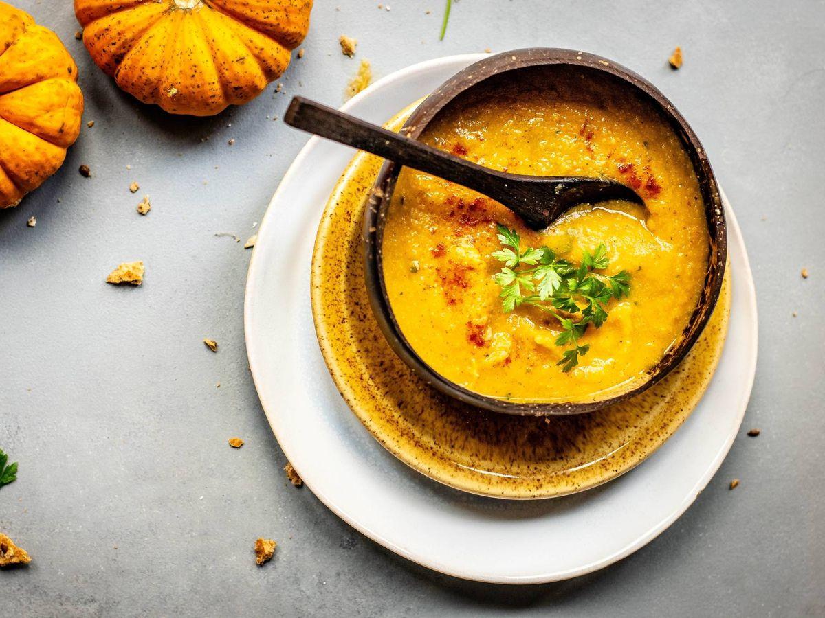 Foto: Combate el frío sin subir de peso con estos alimentos. (Monika Grabkowska para Unsplash)