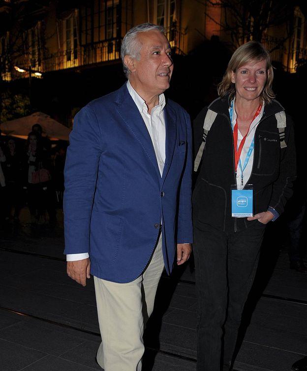 Foto: Javier Arenas y su mujer en una imagen de archivo. (Cordon Press)