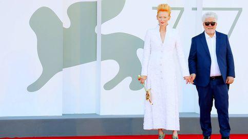 Tilda Swinton, la nueva chica Almodóvar: dos maridos, dos gemelos… ¿y poliamor?