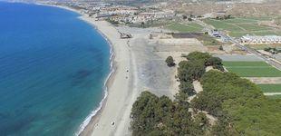 Post de Dos km de playa y suelo para 1.600 casas, el último caramelo de la costa está en Almería