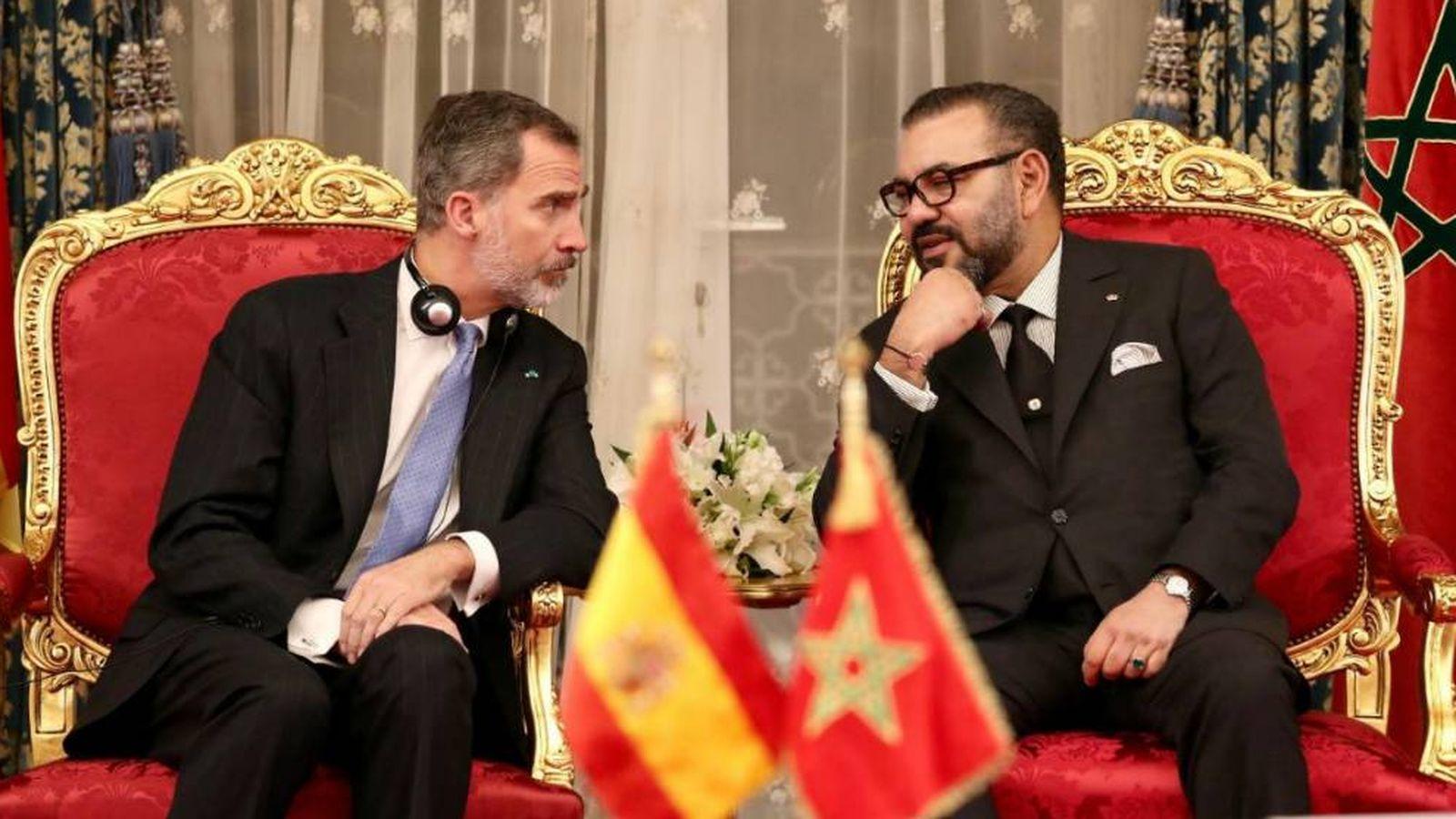 Resultado de imagen de pedro sanchez regala a marruecos
