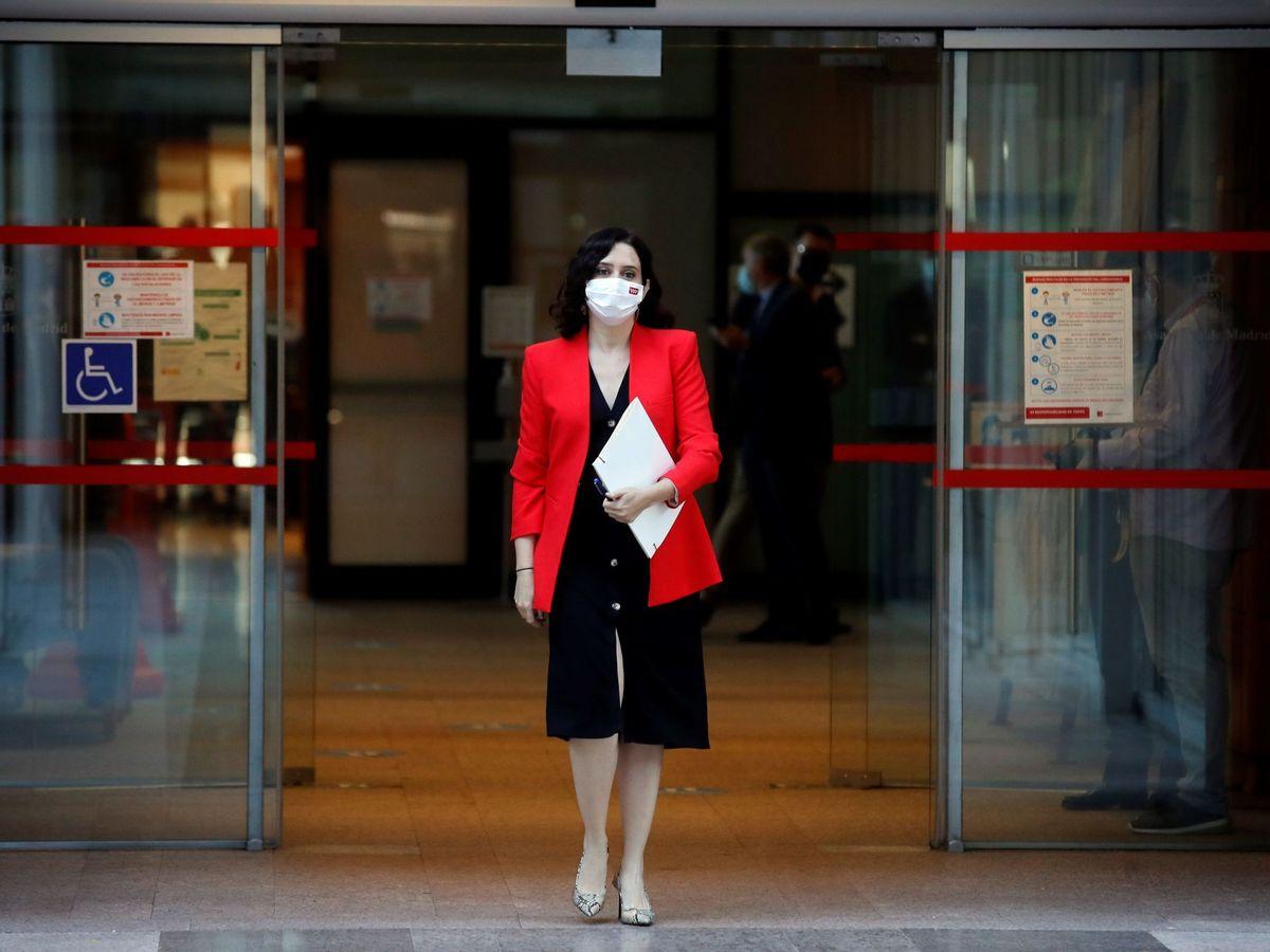 Foto: Isabel Díaz Ayuso, con su vestido preferido. (EFE)