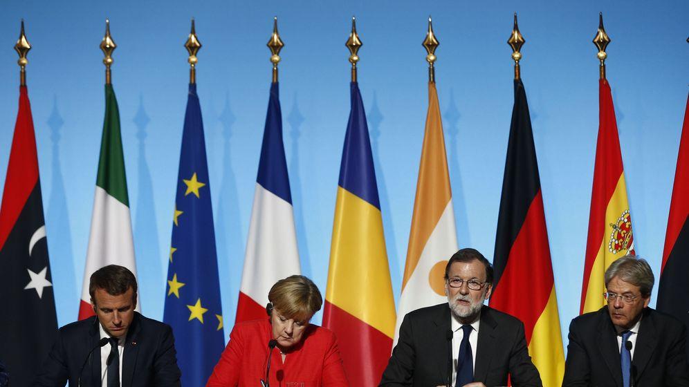 Foto: Macron, Merkel, Rajoy y Gentiloni, durante la rueda de prensa ofrecida este lunes en París. (EFE)