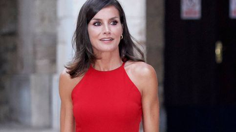 Mango Outlet rebaja un 60% este vestido rojo que adorarán las seguidoras de la reina Letizia