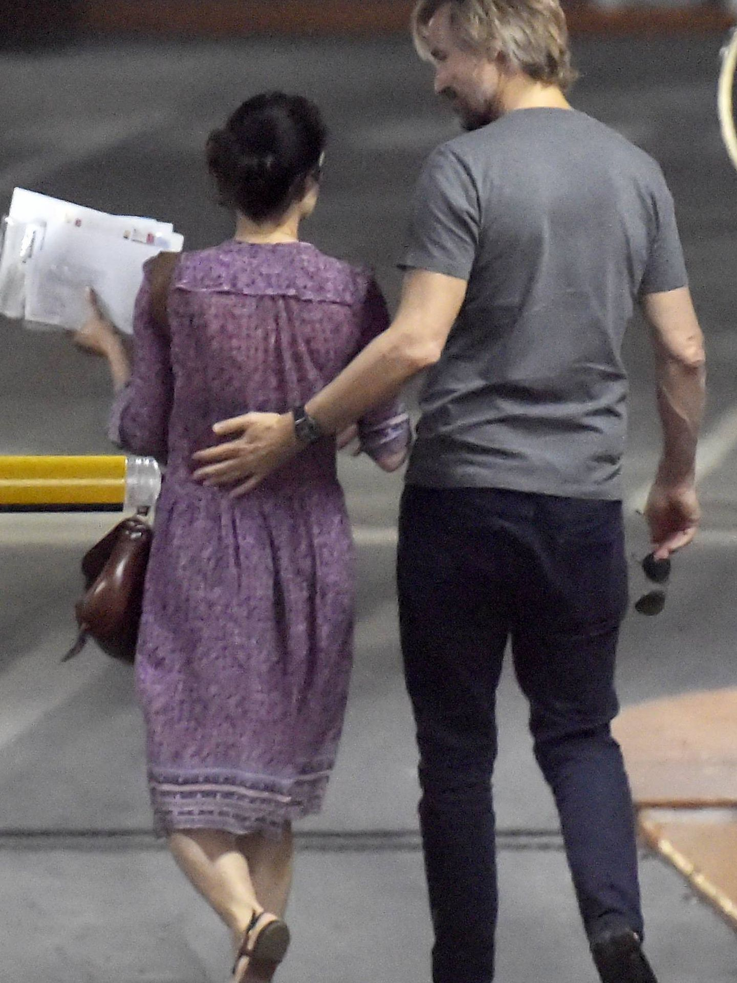 Carolina Herrera, con Francisco Bosch dando un paseo. (Cordon Press)