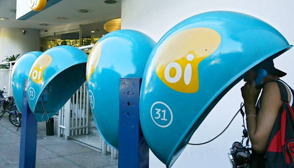 Foto: Cabinas telefónicas de OI en Río de Janeiro, Brasil. (EFE)
