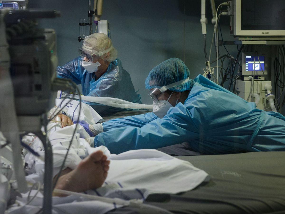 Foto: Paciente en UCI. (EFE)