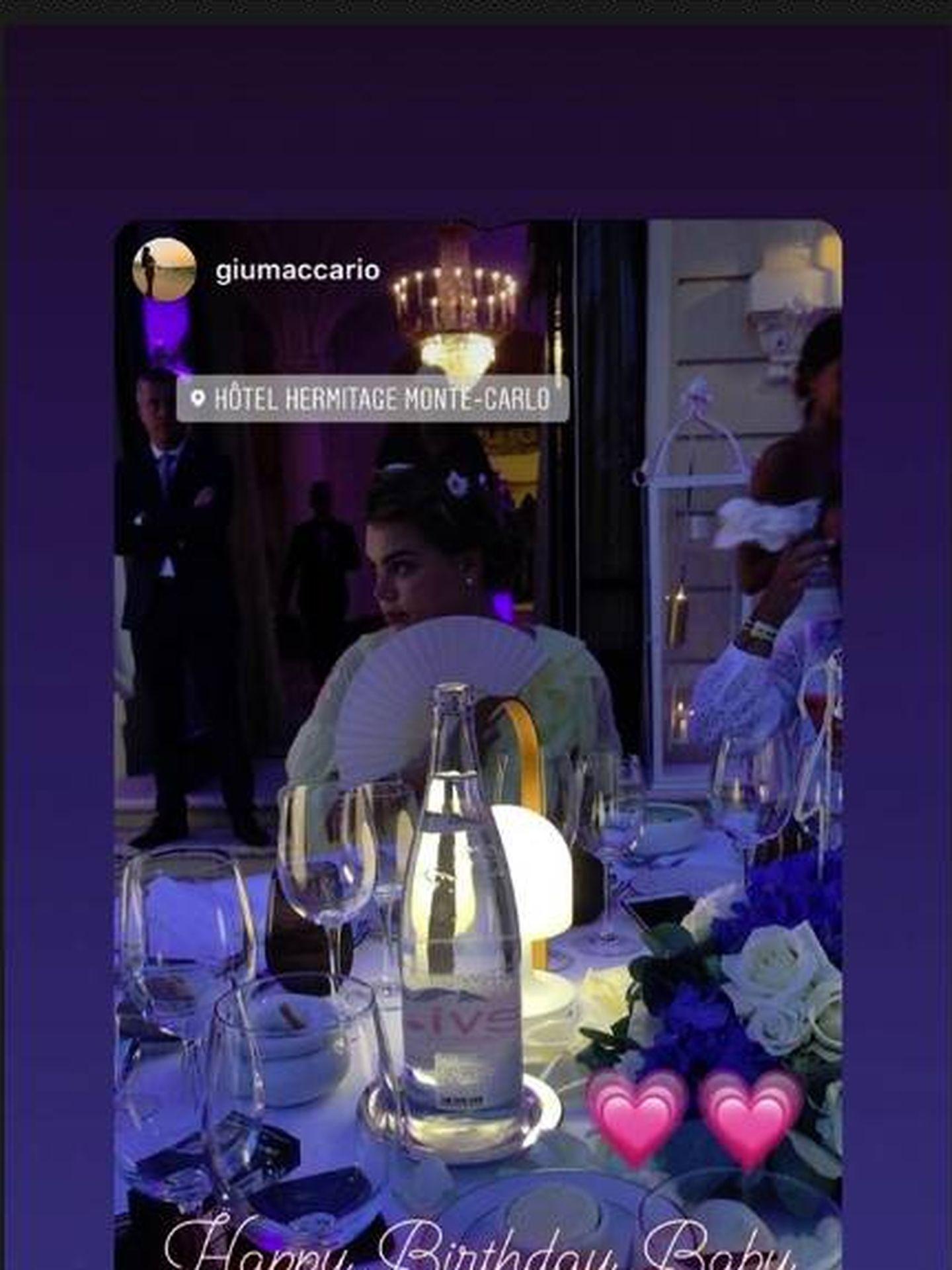 Camille durante la cena en el hotel Hermitage de Monte Carlo. (IG)