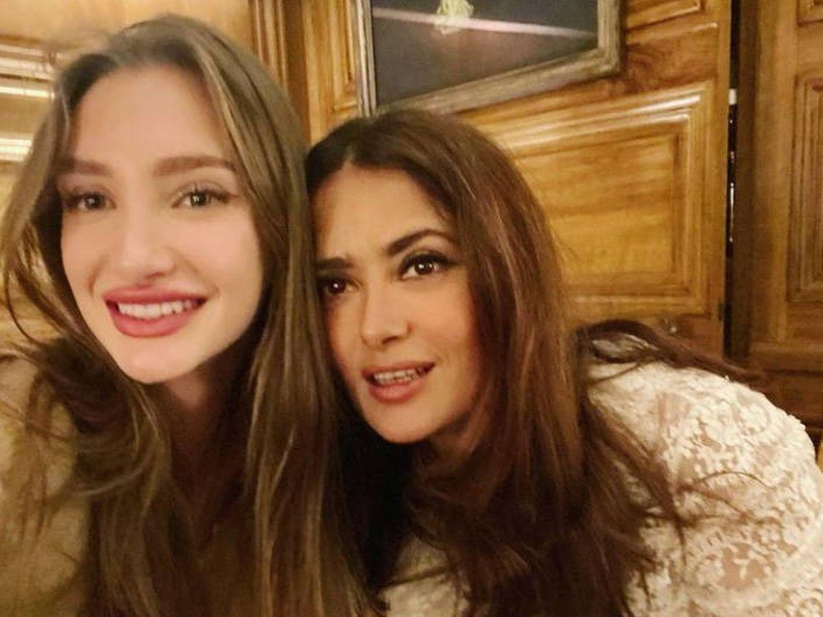 Foto: Salma Hayek, junto a su hijastra Mathilde Pinault. (Instagram @salmahayek)