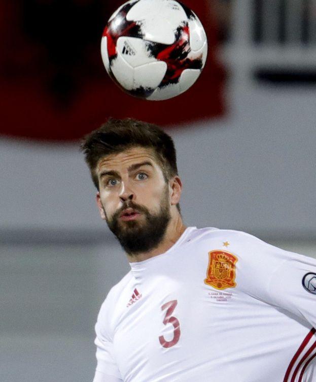 Foto: La polémica en el Albania-España llevó a Piqué a anunciar su decisión. (EFE)