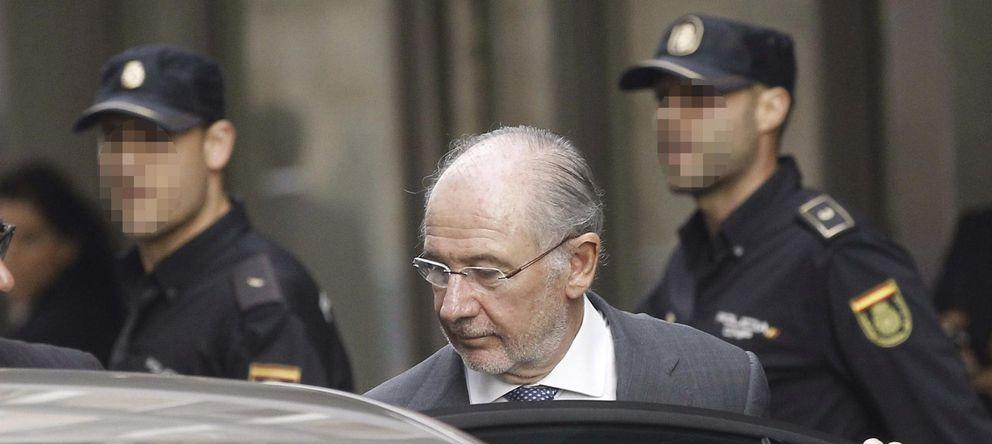 Foto: Rodrigo Rato, el 16 de octubre, a su salida de la Audiencia Nacional. (efe)