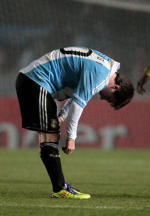 Argentina sigue esperando la aparición del Messi que deslumbra con el Barcelona