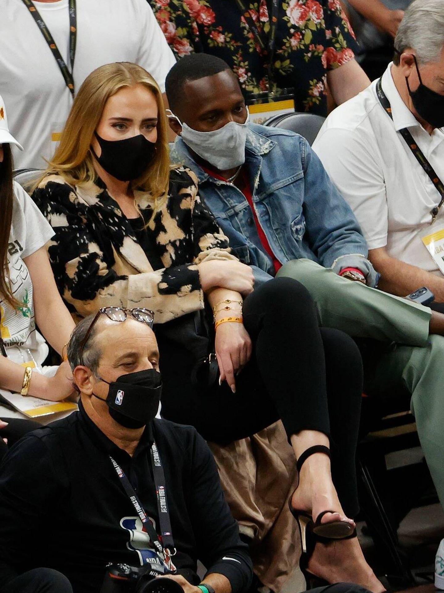Adele, junto a su nuevo novio, Rich Paul,  en julio de 2021. (Getty)