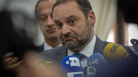 El Gobierno se pliega al taxi pero evita concretar su solución al conflicto de las VTC