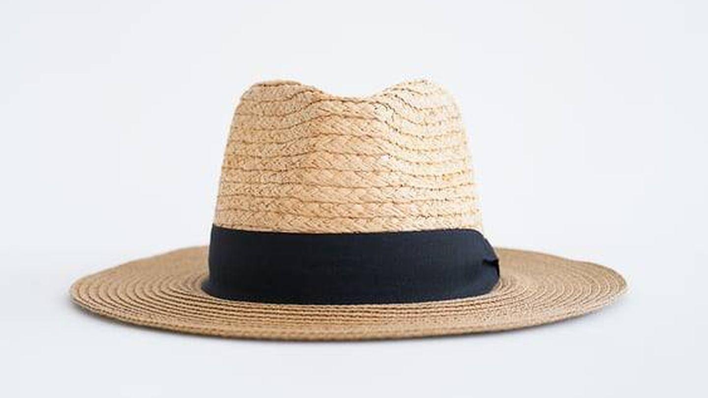 Sombrero de rafia de Zara. (Cortesía)