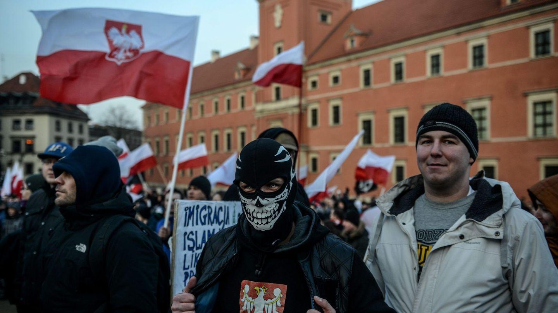 Activistas antiinmigración y ultranacionalistas se manifiestan en Varsovia. (Reuters)