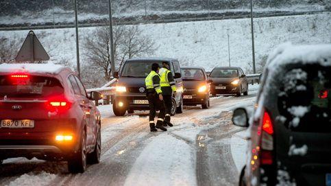 La primavera llega a España con nieve, frío, viento y problemas en las carreteras