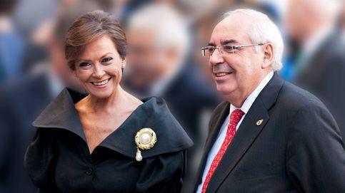 Soledad Saavedra, viuda de Álvarez Areces, recibe el pésame de sus amigos los Reyes